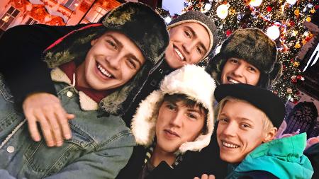 Christmas Selfies freshmen video